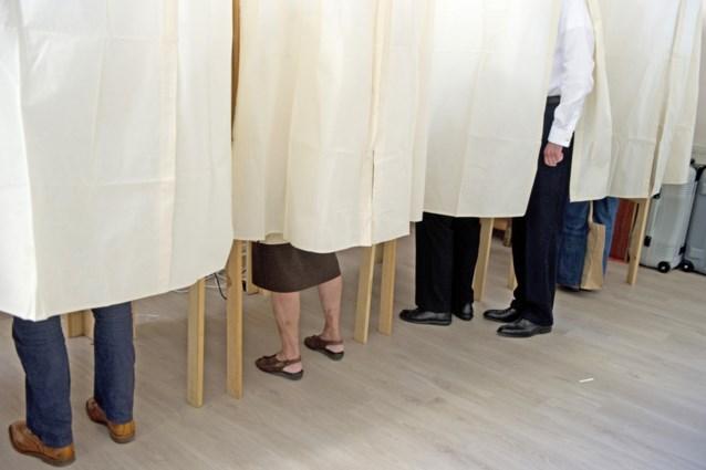 Technische problemen: één stembureau in Vlaanderen nog altijd niet open en in Vilvoorde moeten kiezers drie keer hun stem uitbrengen