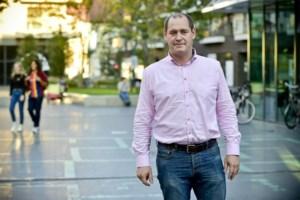 """Vlaams Belang wordt derde grootste partij: """"Deze overwinning betekent ook dat er nog problemen zijn in de stad"""""""