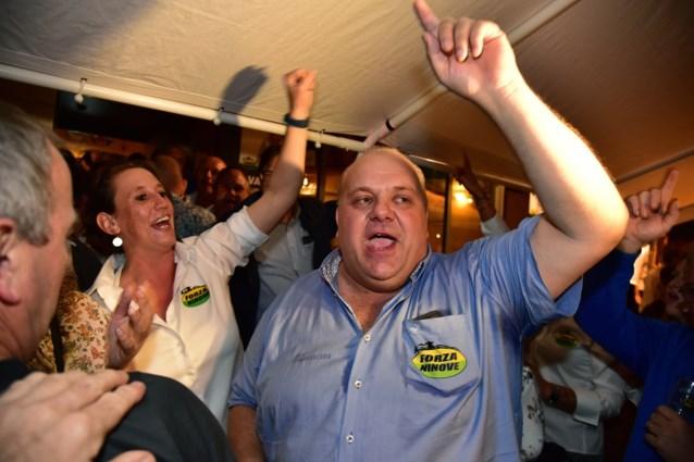 N-VA weigert coalitie met Forza Ninove door chocomoussefoto, maar kopman deelde nog meer racistische foto's