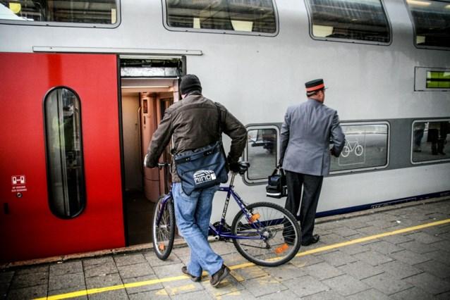 Nmbs Bant Fiets Tijdens De Spits Het Nieuwsblad