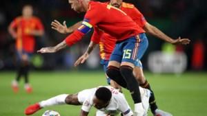 """Geviseerde Sergio Ramos zet Sterling op zijn plek met nieuwe beelden van """"venijnige fout"""""""
