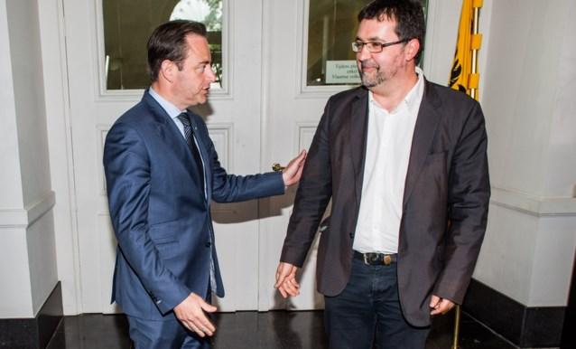 """De Wever bereid om in coalitie met Groen te stappen, maar Van Besien wil daar niet weten: """"Nooit met N-VA"""""""
