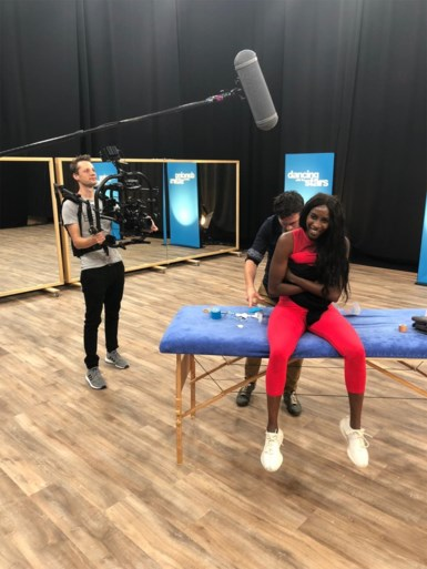 Élodie hervat training na blessure in Dancing with the Stars