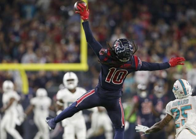 Fans American Football gaan compleet uit hun dak voor wonderbaarlijke 'catch' (tot de scheidsrechter ingrijpt)