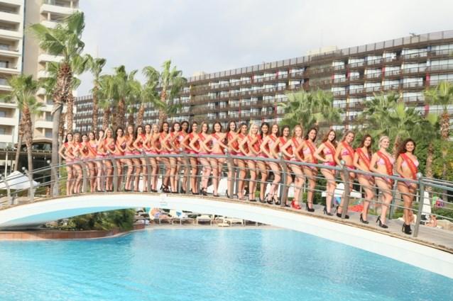 Finalereis Miss België begint met traantjes