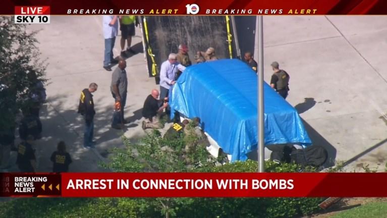 """Vijftiger gearresteerd voor bompakketten in VS: """"Dit waren geen nepexplosieven. Mogelijk zijn er meer"""""""