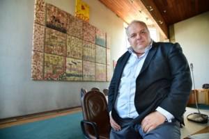 """Guy D'Haeseleer vraagt rechtse gemeenteraadsleden om steun en klaagt over """"verrottingsstrategie"""""""