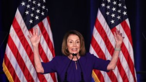 """Trump wil Democratische Nancy Pelosi als voorzitter van het Huis van Afgevaardigden: """"Ze verdient het"""""""