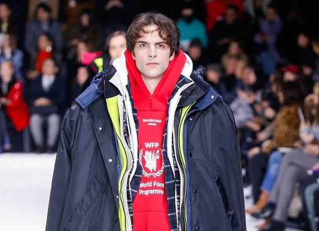 Zeven jassen van Balenciaga voor de prijs van één: bijna 8.000 euro