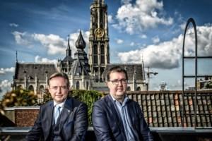 Groen zet De Wever voor het blok: Van Besien dient symbooldossiers in