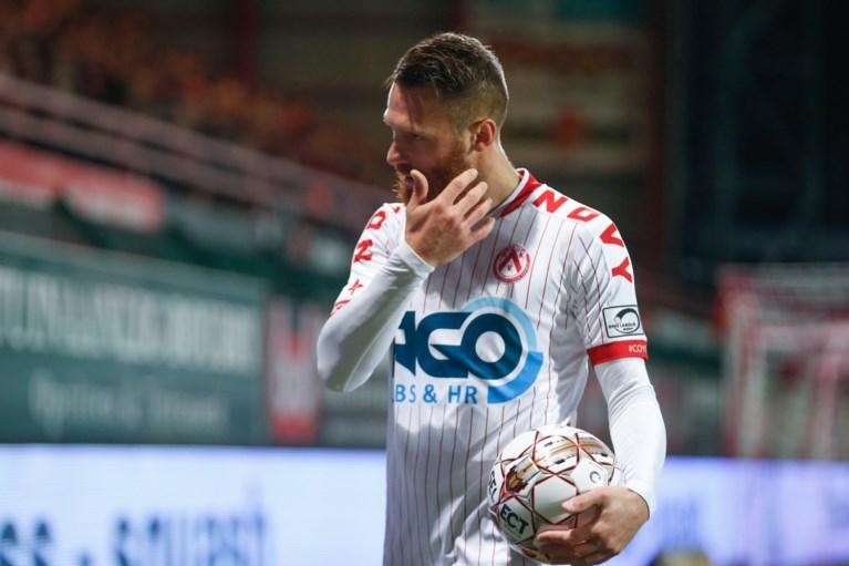 """KV Kortrijk-trainer Glen De Boeck is opvallend hard en spaart zijn vedetten niet: """"20 procent tot de helft minder"""""""