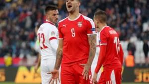 De twee kanten van Aleksandar Mitrovic: echte spitsengoal en blunder vanaf de penaltystip (na misser scheidrechter)