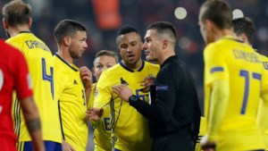 """Zweed doet straffe onthulling na match in Nations League: """"Scheidsrechter had me twee penalty's beloofd"""""""