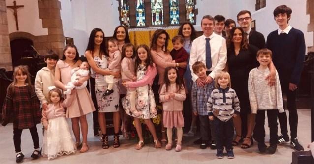 Een dag in het leven van gezin met 21 kinderen: 9 machines was en 4 rollen toiletpapier