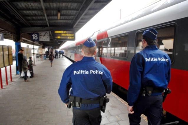 Prostitutie, overlast door transmigranten en elke dag een steekpartij: welkom in onze spoorweg- en metrostations