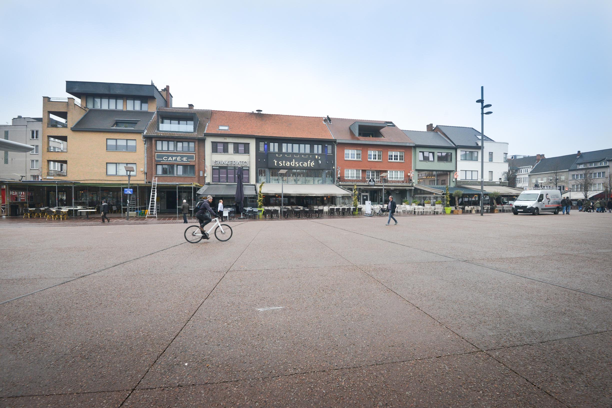 Aan noordkant Grote Markt voortaan enkel plaats voor horecazaken - Het Nieuwsblad