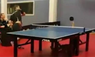 Dit weergaloos punt in het tafeltennis is een wereldwijde hit: 15-jarige plots wereldberoemd