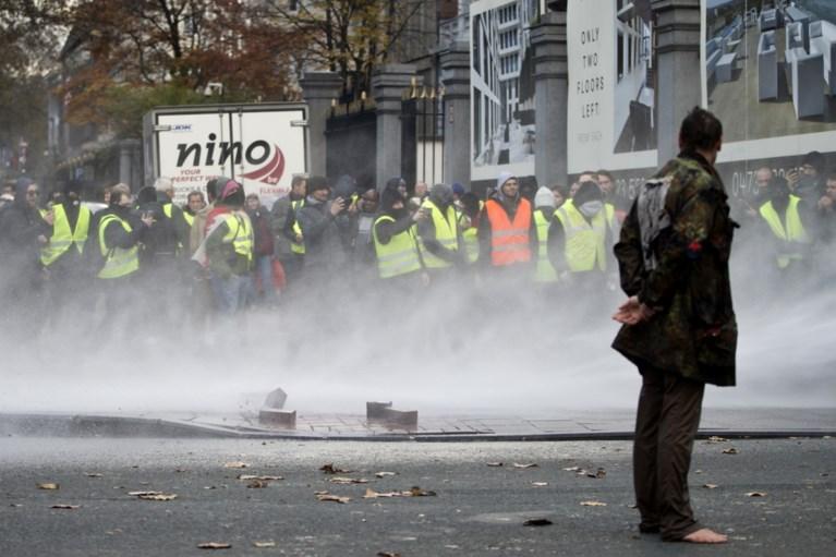 Grootste onrusten achter de rug: 'gele hesjes' laten spoor van vernieling achter in Brussel