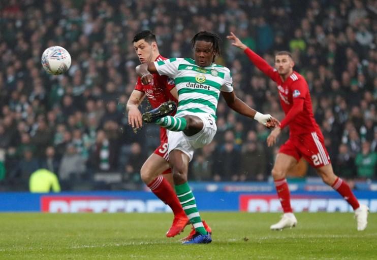 Boyata helpt Celtic aan 18e Schotse Ligabeker, maar valt dan geblesseerd uit