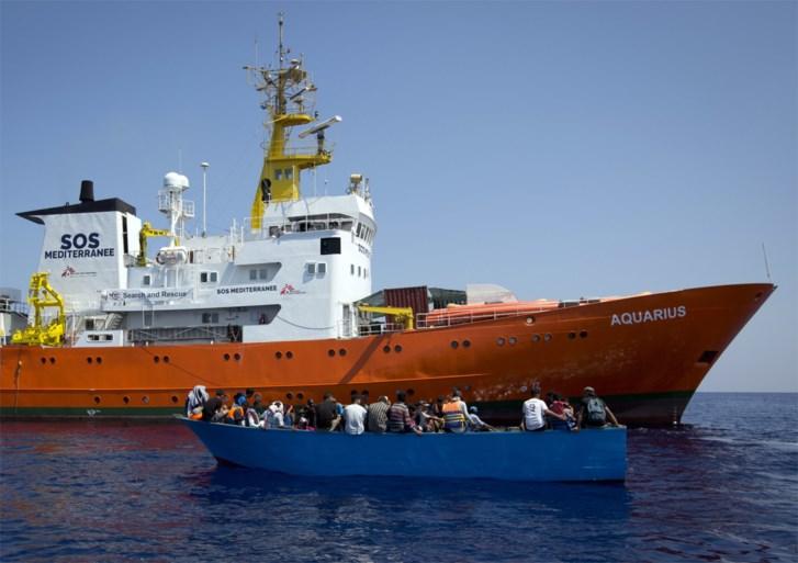 Schip Aquarius stopt met vluchtelingen redden op Middellandse Zee