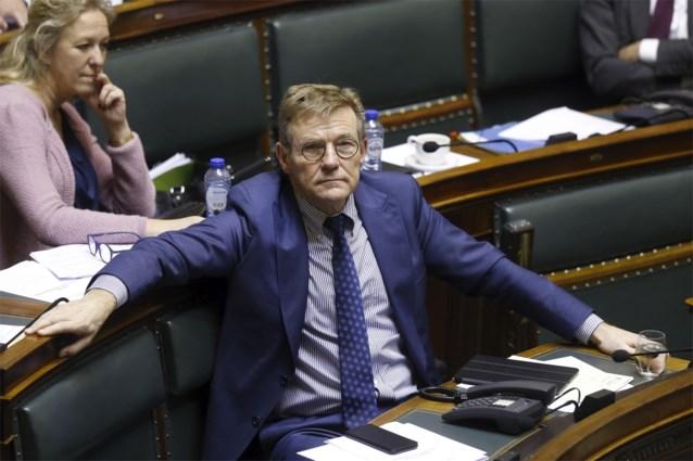 Ex-minister Van Overtveldt (N-VA) staat deel opzegvergoeding af aan goede doel