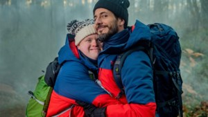 'Down The Road' wordt 'Down The Snow': Dieter Coppens en Kevin liften 2.700 kilometer door de koude voor De Warmste Week