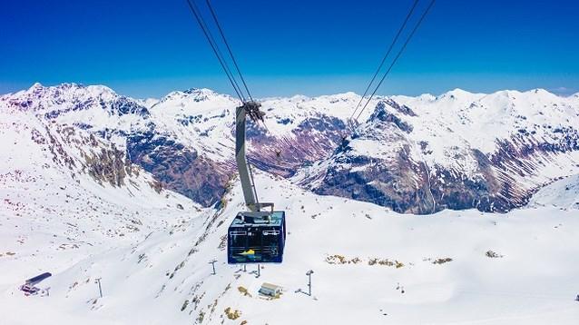 Celebs vallen voor skioord St. Moritz, maar wat is er zo bijzonder aan?