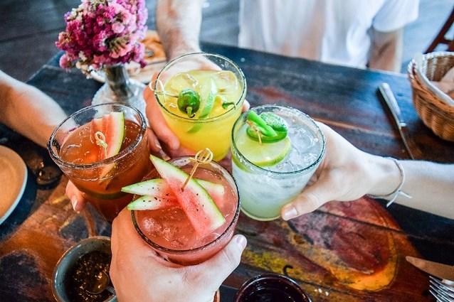 Klinken op het nieuwe jaar: deze drankjes worden hip in 2019