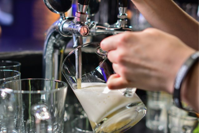 Eén Belgische werknemer op de vier drinkt te veel alcohol