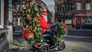 """Zijn naam is Rudolf en met zijn gepimpte scooter rijdt hij Gent rond: """"Als kinderen vragen of ik de Kerstman ben, zeg ik nee"""""""