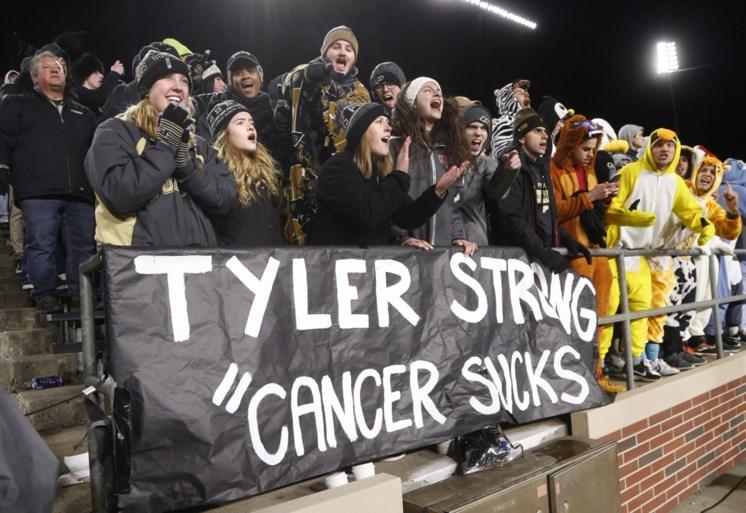 Een frisbee veranderde zijn leven: nu rouwt Amerika om overlijden van amper 20-jarige fanatiekeling met botkanker