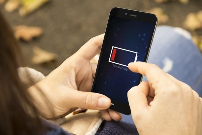 Met deze tips gaat de batterij van je smartphone langer mee en dit kan je doen als ze bijna leeg is
