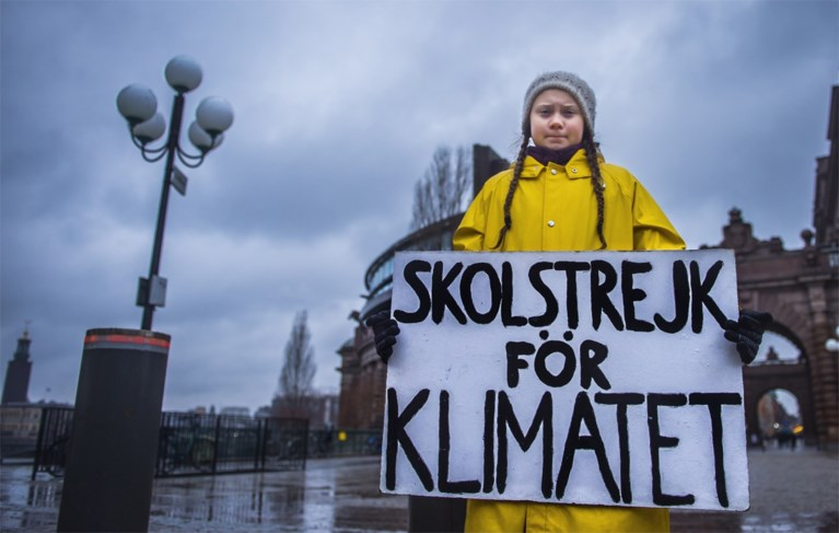 """Duizend spijbelende leerlingen betogen voor het klimaat en houden spontane sit-in: """"Politiekers, get your shit together!"""""""