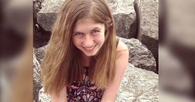 Meisje (13) dat verdween na de wrede moord op haar ouders na drie maanden levend teruggevonden