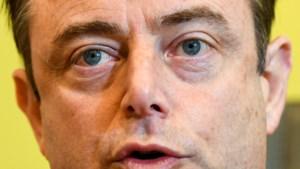 Waarom Bart De Wever Vlaams minister-president wil worden: de logische keuze die niemand zag aankomen