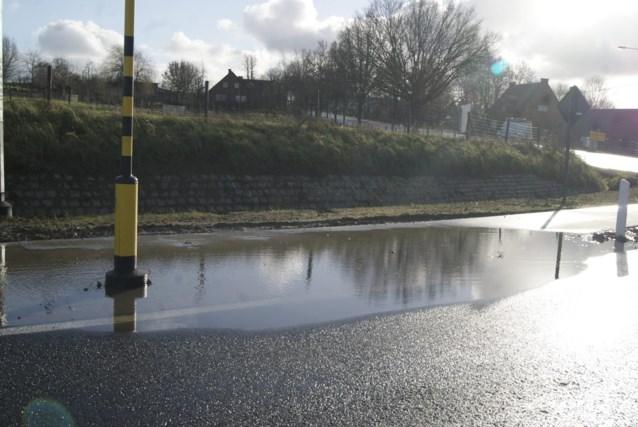 Fietspad is nog maar net af, maar staat na een regenbui al onder water