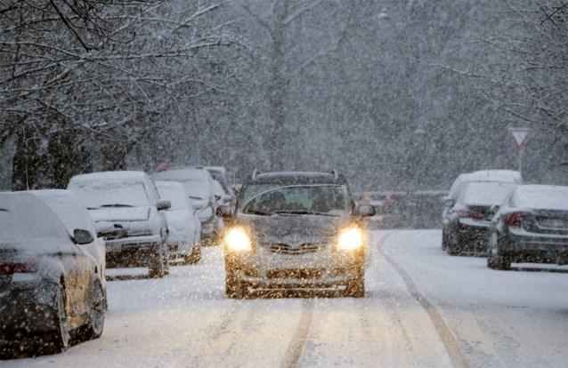 """KMI waarschuwt voor eerste sneeuwval op dinsdag: """"Genoeg om verkeer danig in de war te sturen"""""""
