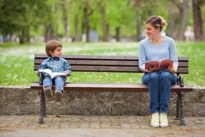 """""""Boeken over opvoeding maken me onzeker."""" Onze opvoedingsexpert zegt wat je kan doen"""