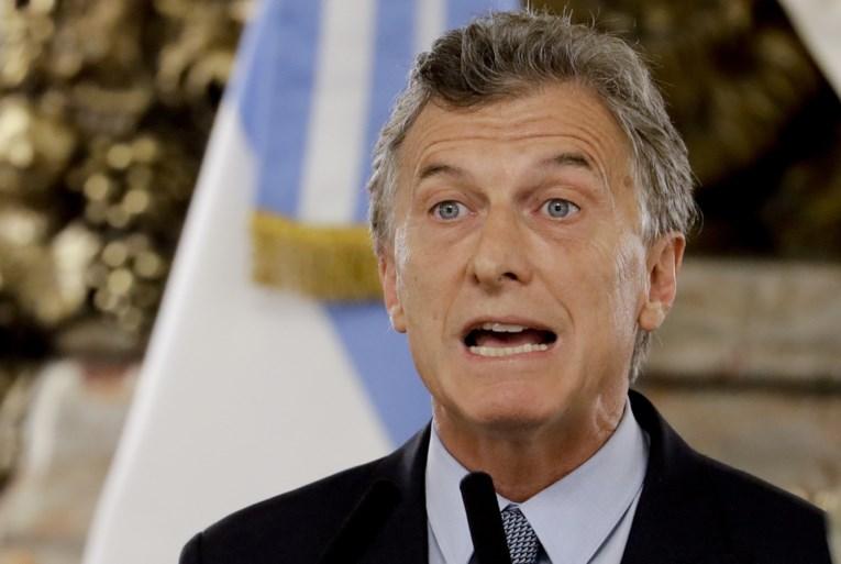 Argentijns president vraagt Verenigd Koninkrijk en Frankrijk om zoekactie naar verdwenen voetballer te hervatten