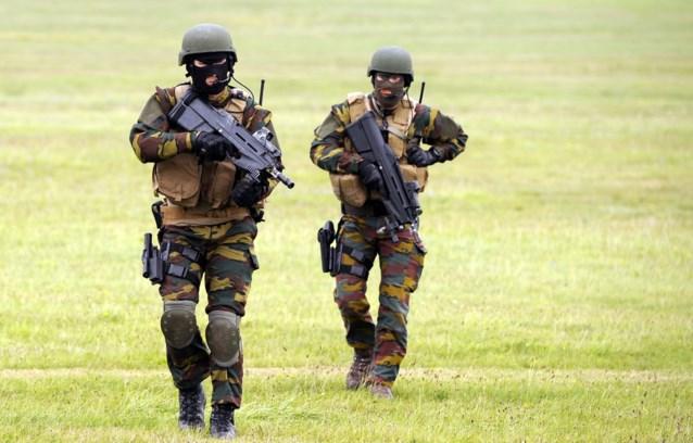 Operatie 'Zoek de para': ons leger zoekt wanhopig naar nieuwe paracommando's