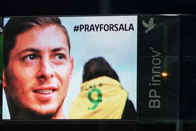 Zoektocht naar verdwenen voetballer Emiliano Sala gaat verder: nu wordt er ook onder water gezocht