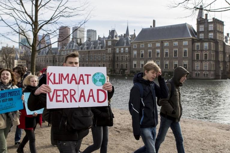 Ook Nederlandse jongeren betogen voor klimaat, maar hebben nog wat te leren: massaal naar McDonald's na demonstratie