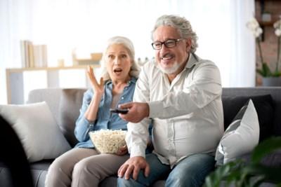 Ook oma en opa hebben Netflix ontdekt, en de concurrentie volgt: moeten klassieke tv-zenders zich nu zorgen beginnen maken?