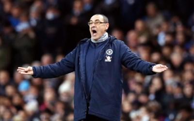 Sarri zou beter sorry zeggen: Italiaanse coach zwaar onder druk na zwaarste nederlaag van Chelsea in 28 jaar