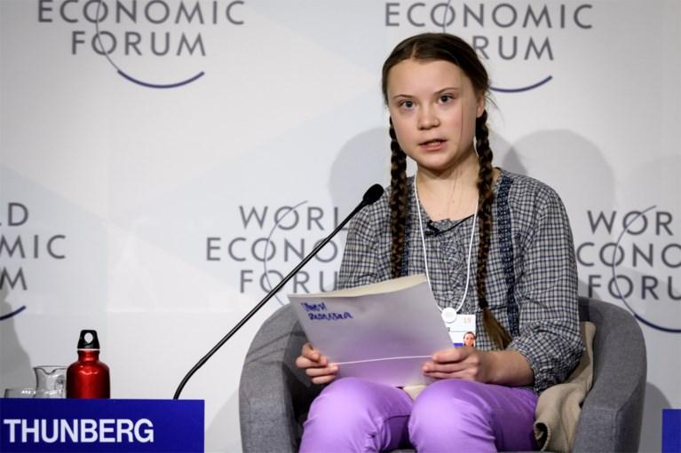 """Zweedse klimaatactviste ontkent dat ze PR-marionet is en dat ze betaald wordt: """"Er zit niemand 'achter' mij, behalve ikzelf"""""""