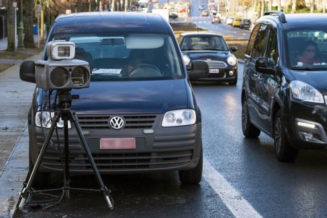 Opmerkelijk voorstel om ons verkeer drastisch veiliger te maken: snelheidscontroles door privébedrijven