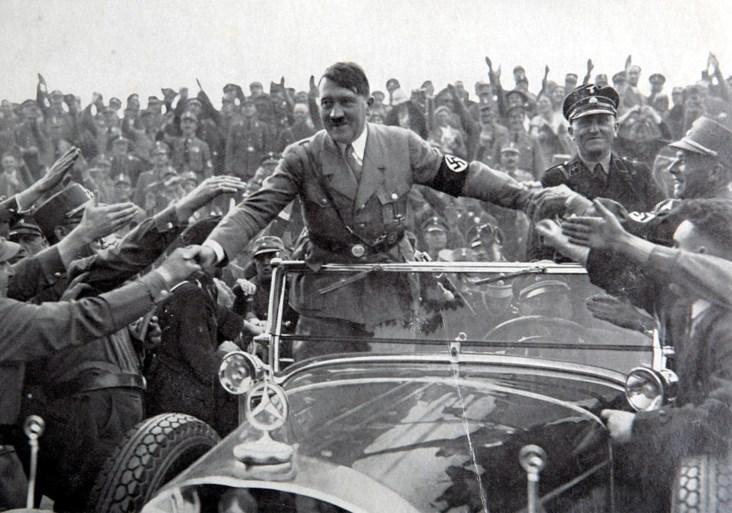 """Minstens 27 Belgen krijgen nog altijd 'Hitler-pensioen' voor 'trouw, loyaliteit en gehoorzaamheid': bedragen """"tot 1.275 euro per maand"""""""