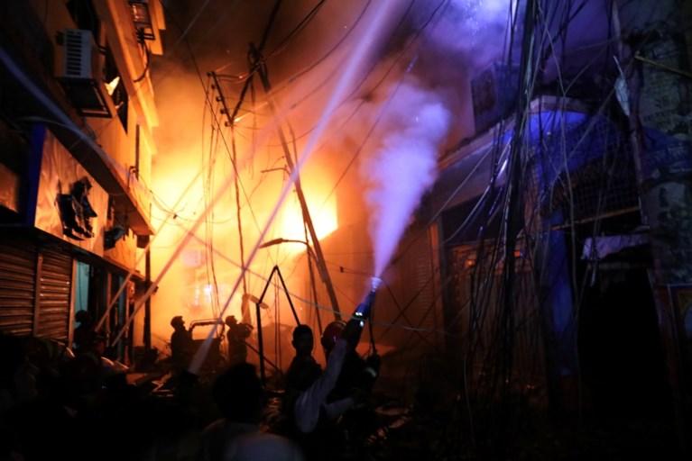 Tientallen doden bij brand in hoofdstad Bangladesh