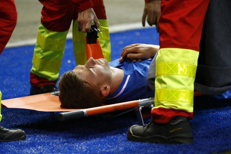 Plots begint Genk-speler Bryan Heynen te braken tijdens wedstrijd, middenvelder moet worden vervangen