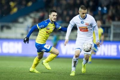 """Timothy Derijck mag zich na vier maanden op de bank eindelijk weer bewijzen bij AA Gent: """"Blij dat ik ben blijven knokken"""""""